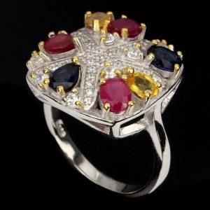 Δαχτυλίδι σε ασήμι 925 με κίτρινο και λευκό επιχρύσωμα 14k. Διακοσμημένο με Ρουμπίνια, Ζαφείρια & Κιτρίνη. (ΚΩΔ 9589)