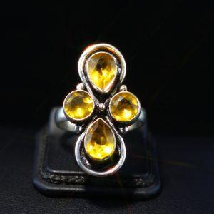 Δαχτυλίδι σε ασήμι 925 , διακοσμημένο με Lab created Κιτρίνη.