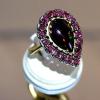 Δαχτυλίδι με Μαύρο Οπάλιο & 18 Ρουμπίνια