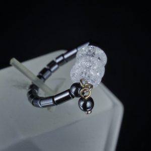 Χειροποίητο δαχτυλίδι σε ασήμι 925, διακοσμημένο με 100% φυσικούς Αιματίτες και Χαλαζίες.