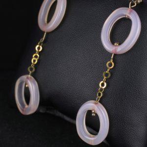 Σκουλαρίκια σε ασήμι 925 επιχρυσωμένο με 100% φυσικούς ροζ Αχάτες και 6 επίχρυσες ασημένιες μπίλιες.