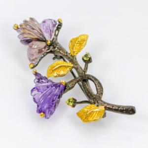 Καρφίτσα/Μενταγιόν σε ασήμι 925 με μαύρο και κίτρινο επιχρύσωμα στα 14Κ με σκαλιστή Αμετρίνη και Αμέθυστο σε μορφή λουλουδιού από την Αφρική (ΚΩΔ 6167Α)