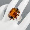 Δαχτυλίδι σε ασήμι 925 με λευκό και κίτρινο επιχρύσωμα στα 14Κ με Cognac Χαλαζία και Ροδολίτη Γρανάτη στα 36.59 ct από την Αφρική και την Βραζιλία (ΚΩΔ 5643Α)