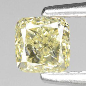 Διαμάντι στα 0.62 ct σε κοπή cushion με χρώμα fancy yellow και καθαρότητα VS1 από την Αφρική (ΚΩΔ 6127Α)